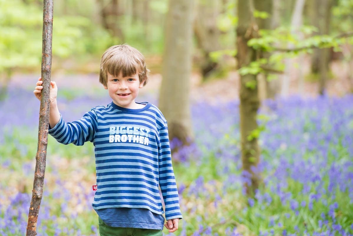family photoshoot in the bluebells